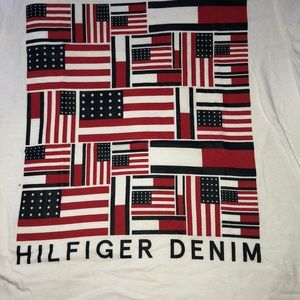 Tommy Hilfiger Graphic T